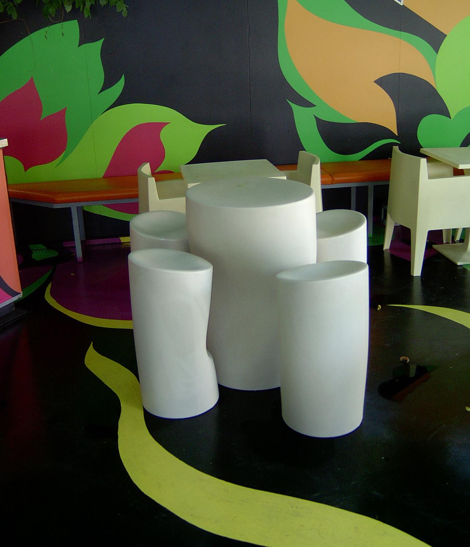 Esempio di realizzazione per stand fieristico con pavimento e pareti ...